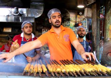 Ramzan Food Walk Through Matia Mahal, Old Delhi